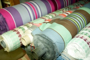 fabrics-609434_640