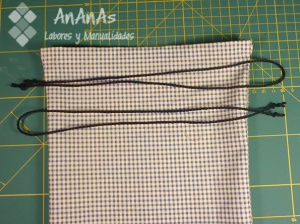 bolsa-multiusos-colocar-dos-cordones
