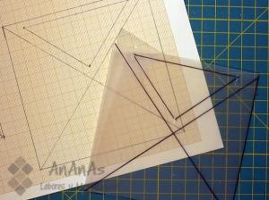 cuadrado-de-cuatro-triangulos-patron-plastico