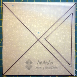 cuadrado-de-cuatro-triangulos-dibujar-segundo-triangulo